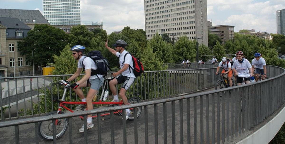 bernds_folding_bike_faltrad_Duesseldorf_Kniebruecke