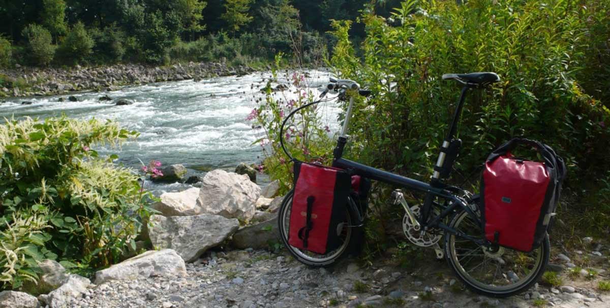 bernds_folding_bike_faltrad_reisebernds an der isar